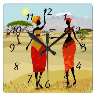 Frauen von Kenia-Animation Quadratische Wanduhr