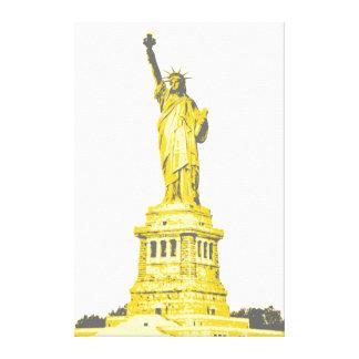 Freiheitsstatue in den Schatten von Gelbem und von Leinwanddruck