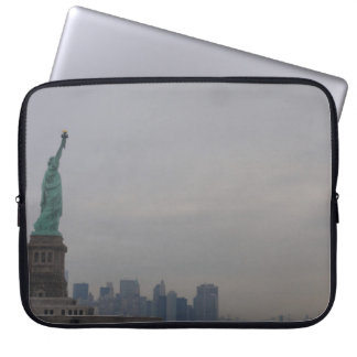 Freiheitsstatue - New York City Laptop Sleeve