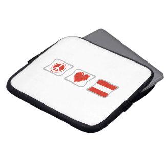 FriedensLiebe und Österreich-Quadrate Laptopschutzhülle