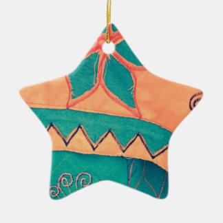 Fröhliches stammesmuster orange Türkis SIRAdesign Keramik Stern-Ornament