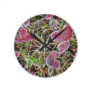 Frost bedeckte Blätter, Kanada Runde Wanduhr