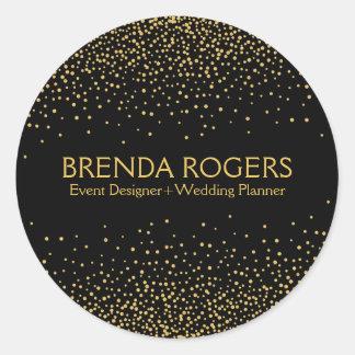 Funkelnder GoldConfetti auf schwarzem Hintergrund Runder Aufkleber
