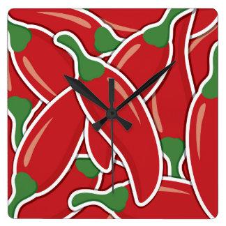 Funky rote Paprika-Paprikaschoten Quadratische Wanduhr