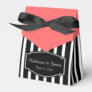 Gastgeschenke Hochzeit; B&W Streifen mit Rose, Geschenkschachteln