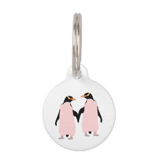 Gay Pridelesbische Penguins, die Hände halten Tiermarke