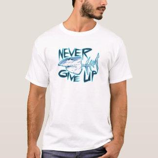 geben Sie nie Weißen Hai auf T-Shirt
