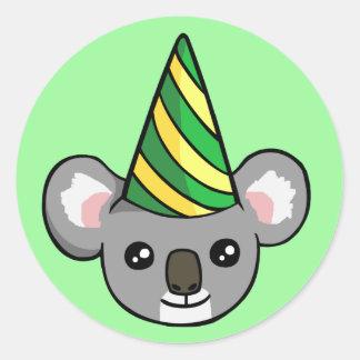 Geburtstag-Koala im Party-Hut, der Aufkleber