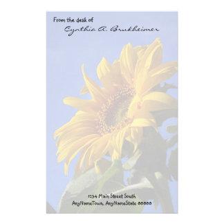 Gedämpfte gelbe Sonnenblume-personalisiertes Individuelles Büropapier