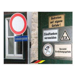 gefährliches Deutschland bunte Verbote Schild Postkarte