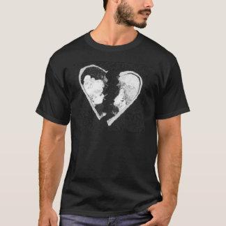 Gefangen unter Tragödie T-Shirt