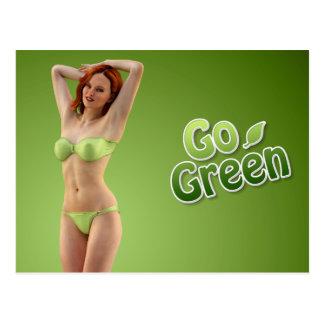 Gehen Mädchen-Schönheit grüne Postkarte