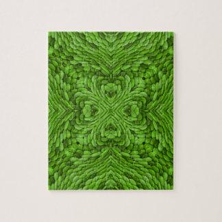 Gehendes grünes Puzzle mit Geschenkboxen
