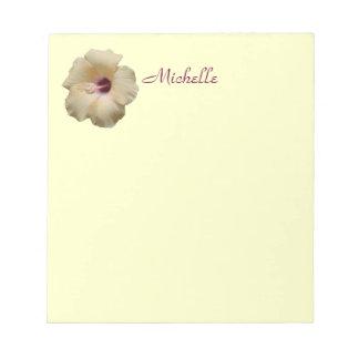 Gelbe Hibiskus-Blume mein Name Notizblock