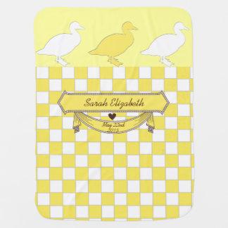 gelber Entenname und Geburtsdatum Babydecke