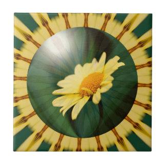 Gelbes Gänseblümchen-abstrakte Kunst-mit Fliese