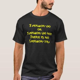 Gelbes Taekwondo oder parodieren nicht T-Shirt