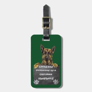Geliebt und durch einen Schäferhund geschützt Gepäckanhänger