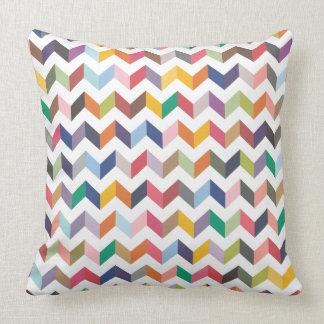 Geometrisches Zickzack Pfeil-Dreieck-Muster-Kissen