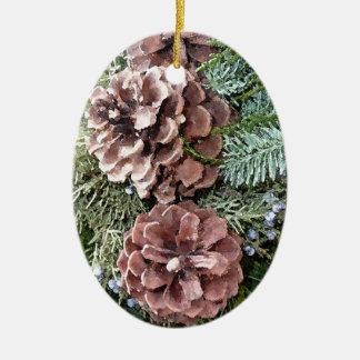 Gerade Kiefern-Kegel Ovales Keramik Ornament