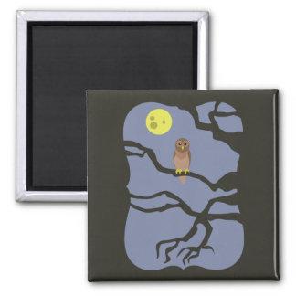 Gespenstische Halloween-Eule Quadratischer Magnet