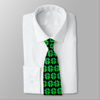 Gespenstisches Schädel-Kleeblattmuster Krawatte