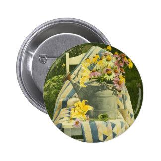 Gießkanne 1138 auf Steppdecke im Garten Runder Button 5,7 Cm