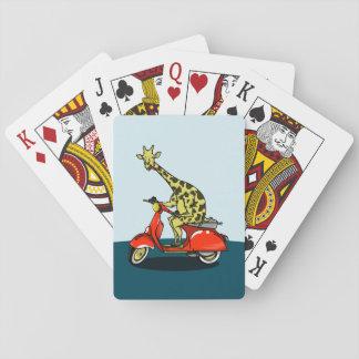 Giraffe, die einen roten Roller reitet Spielkarten