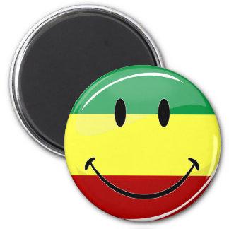Glatte runde glückliche Rasta Flagge Runder Magnet 5,7 Cm