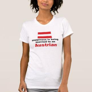 Glücklich verheiratet zu einem Österreicher T-Shirt