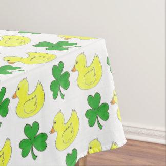 Glückliche Enten-irischer Kleeblatt-Klee-Gummi Tischdecke
