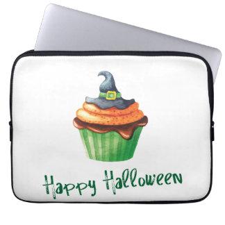 Glückliche Halloween-kleine Kuchen mit Hexehut Laptop Sleeve