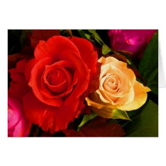 Glückliche rote gelbe Rosen der Mutter Tages