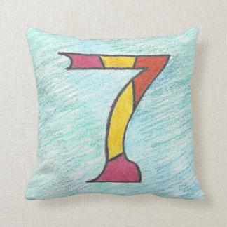 Glückliche sieben auf coolem Blues-Quadrat-Kissen Kissen