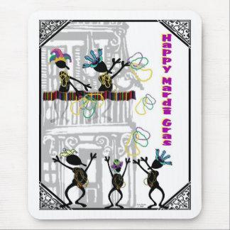 Glücklicher Karneval--Balkon-Szene Mousepads