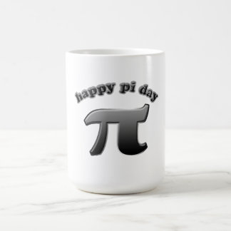 Glückliches PU-Tagespu-Symbol für Mathe-Nerds am Kaffeetasse