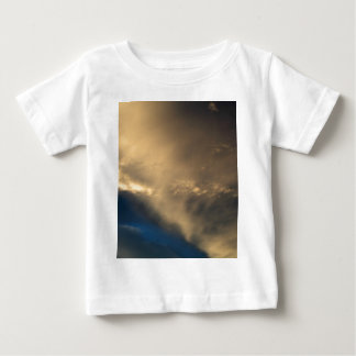 Glühende Wolken Baby T-shirt