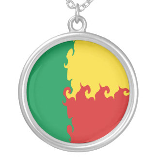 Gnarly Flagge Benins Amuletten