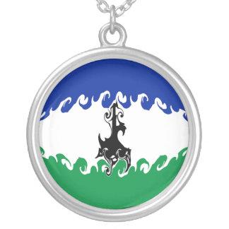 Gnarly Flagge Lesothos Halskette