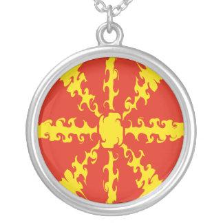 Gnarly Flagge Mazedoniens Personalisierter Schmuck