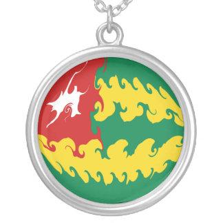 Gnarly Flagge Togos Halskette Mit Rundem Anhänger