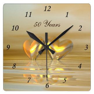 Goldene Jahrestags-Herzen Uhr