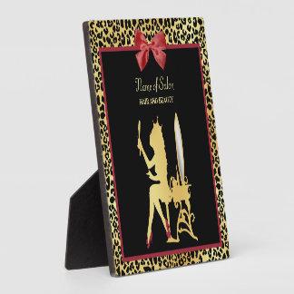 Goldener Kronen-Leopard-Druck mit rotem Fotoplatte