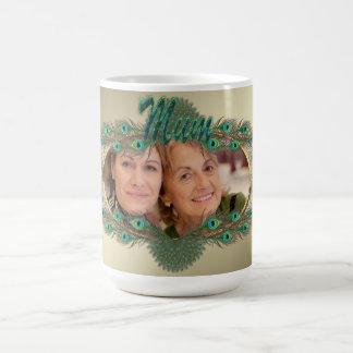 Goldener Pfau versieht Foto-Tassen für Mama mit Tasse