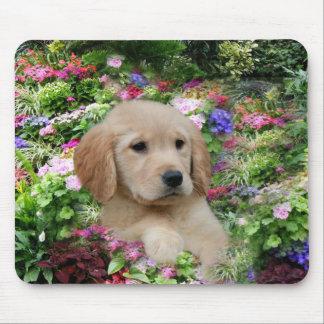 Goldener Retriever Mousepad Blumen-Garten