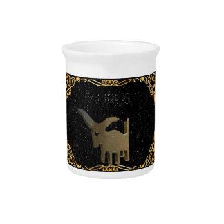 Goldenes Zeichen des Stiers Getränke Krüge