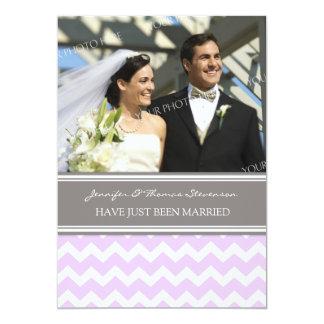 Graue lila Zickzack Foto-gerade verheiratete 12,7 X 17,8 Cm Einladungskarte