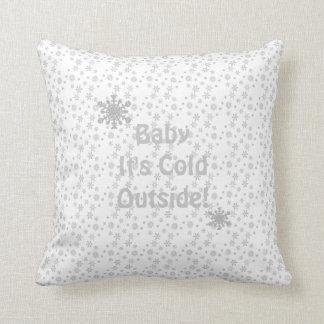"""Graue u. weiße Schneeflocke-""""Baby ist es kalte Zierkissen"""