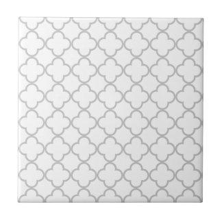 Graues Quatrefoil Muster Kleine Quadratische Fliese
