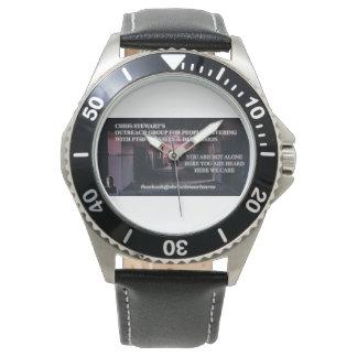 große Installation Armbanduhr